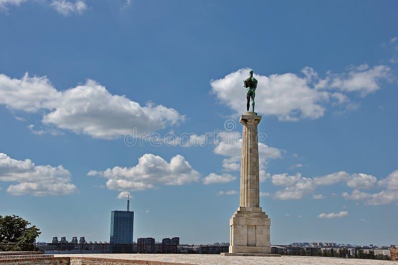 El vencedor y el cielo nublado fotografía de archivo libre de regalías