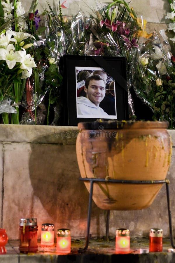 El ventilador francés muere después de que ataque de los gamberros imagen de archivo