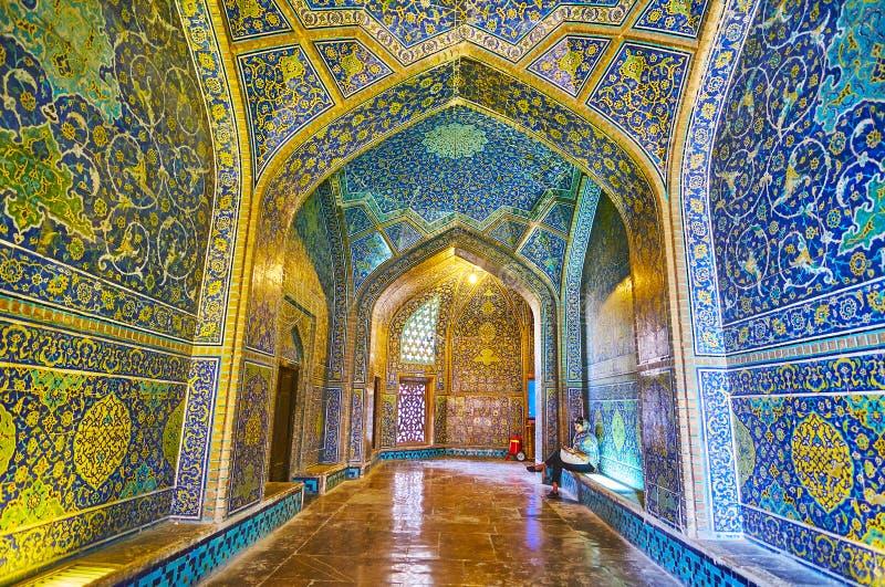 El vestíbulo de Sheikh Lotfollah Mosque, Isfahán, Irán fotografía de archivo libre de regalías