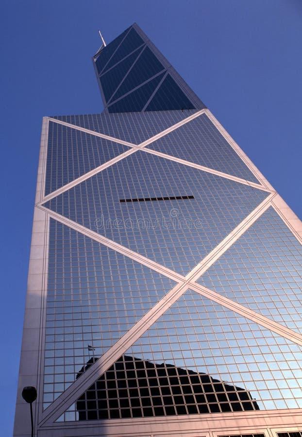 El vidrio afrontó el rascacielos, isla de Hong-Kong. foto de archivo