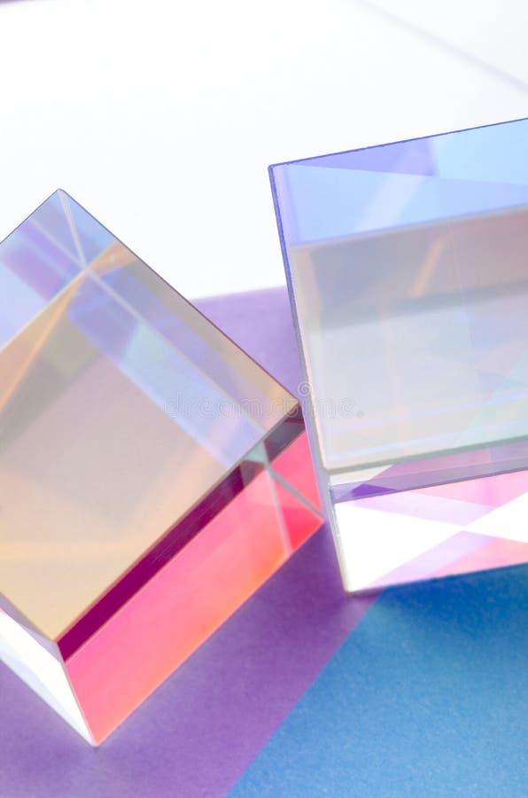 El vidrio colore? el extracto transparente de los cubos imagenes de archivo