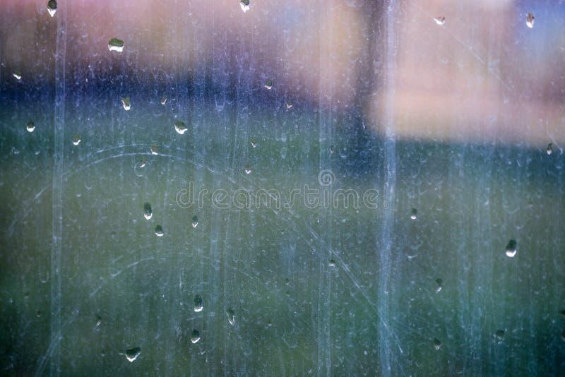 El vidrio de la ventana necesita limpiar - textura imagen de archivo