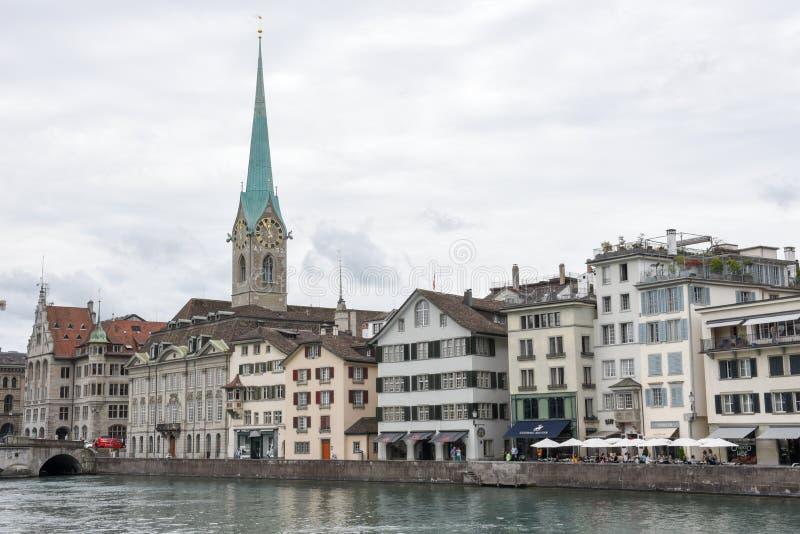 El viejo centro de ciudad de Zurich fotografía de archivo