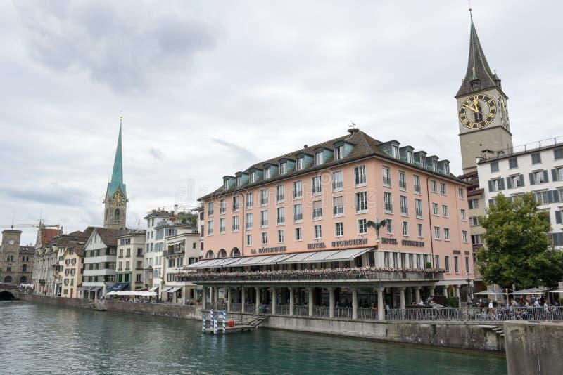El viejo centro de ciudad de Zurich en Suiza imagen de archivo libre de regalías