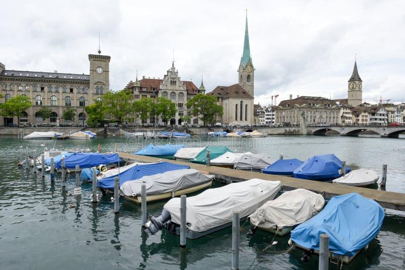 El viejo centro de ciudad de Zurich en Suiza imagen de archivo