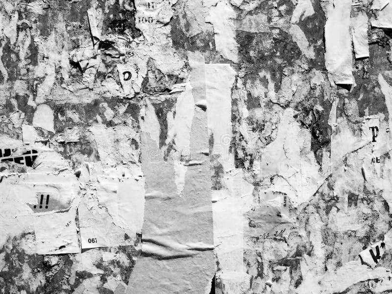 El viejo Grunge publicitario rasgu?ado del vintage empareda el papel de cartel rasgado cartelera, cap?tulo urbano Crumpl arrugado foto de archivo
