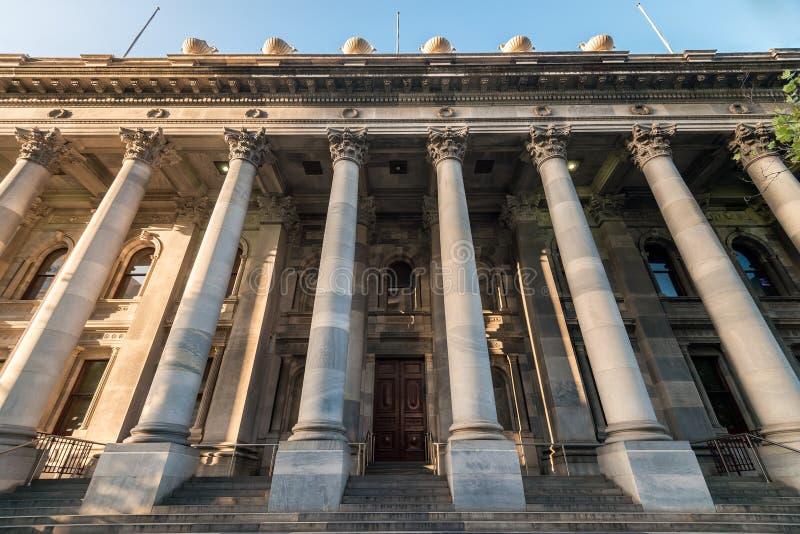 El viejo parlamento contiene fotografía de archivo libre de regalías