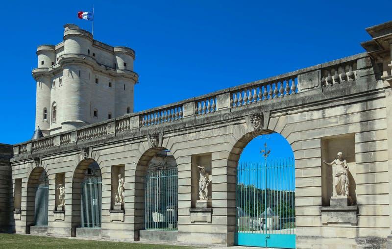 El Vincennes es castillo histórico situado en el este de París, Francia imagen de archivo