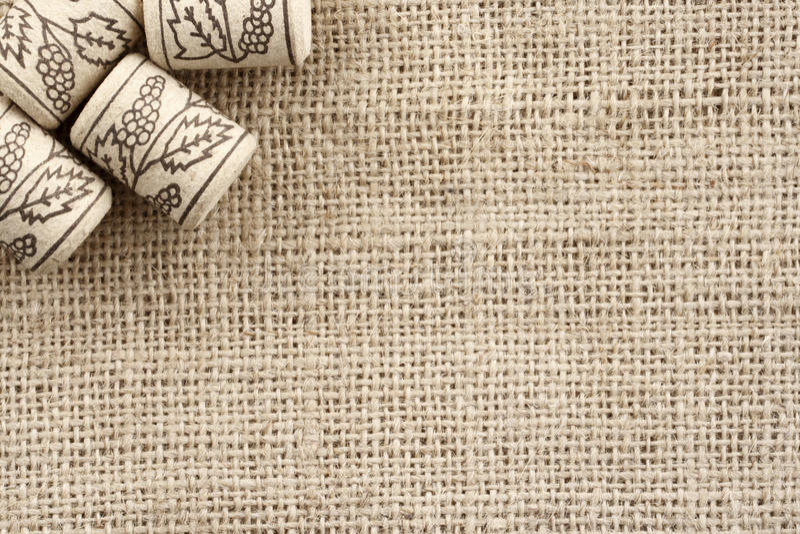 El vino tapa a BG con corcho imagenes de archivo