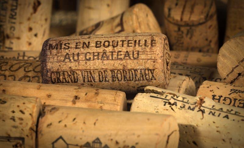 El vino tapa Burdeos con corcho foto de archivo libre de regalías