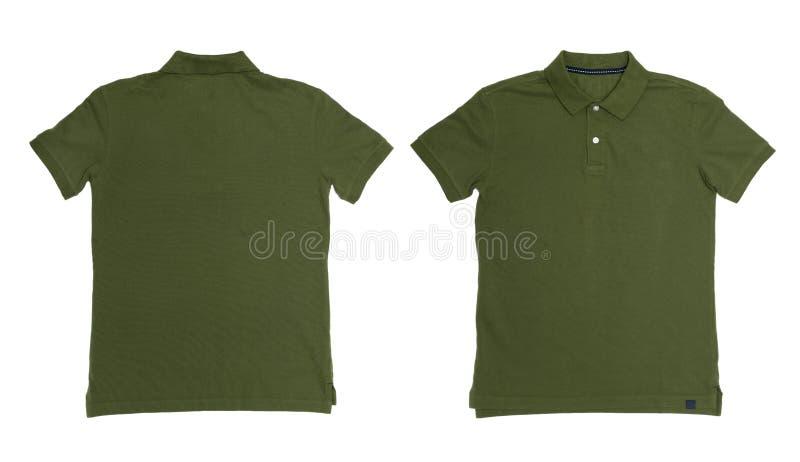 El vintage amortiguó el color verde Polo Shirt con el fondo blanco imagen de archivo libre de regalías
