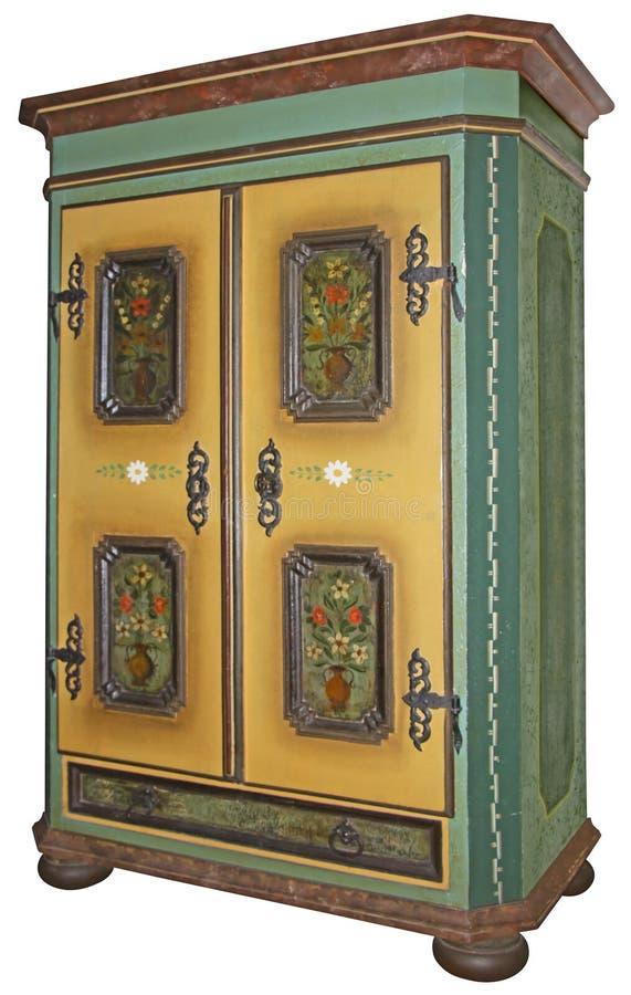 El vintage pintó el guardarropa de madera aislado con la trayectoria de recortes imagen de archivo