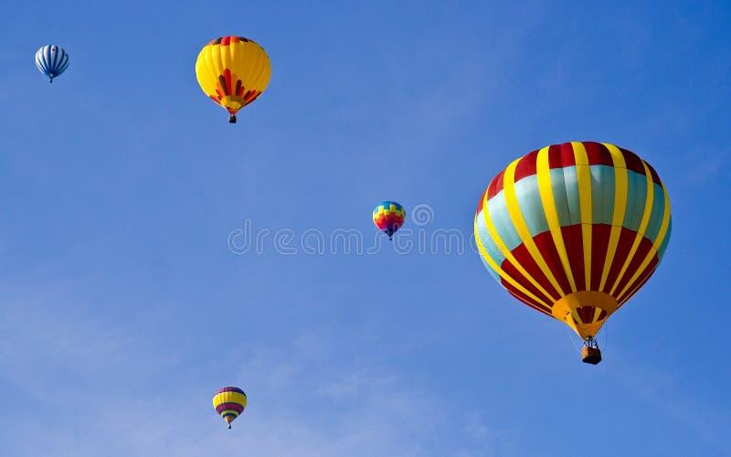 El volar junto fotos de archivo