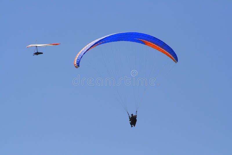 El volar junto fotos de archivo libres de regalías