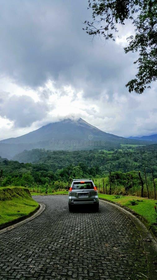 El volcán de Arenal fotos de archivo