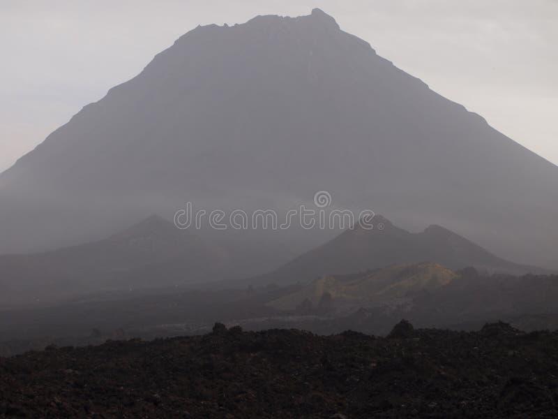El volcán de Fogo en la isla del mismo nombre, archipiélago de Cabo Verde foto de archivo