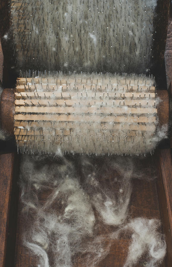 Elaborazione della lana immagini stock