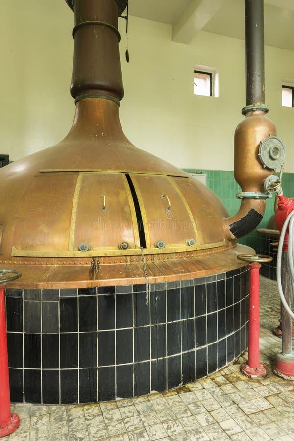 Elabore cerveza la caldera en la cervecería 'Het Sas' en Boezinge, Bélgica. foto de archivo libre de regalías