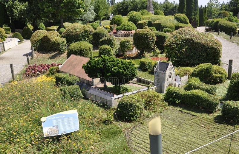 Elancourt F, el 16 de julio: Grange de Meslay en el reproducción miniatura de monumentos parquea de Francia fotografía de archivo libre de regalías