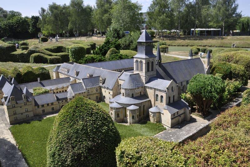 Elancourt F, il 16 luglio: Il ` Azay-le-Rideau del castello d nella riproduzione miniatura dei monumenti parcheggia dalla Francia fotografia stock libera da diritti