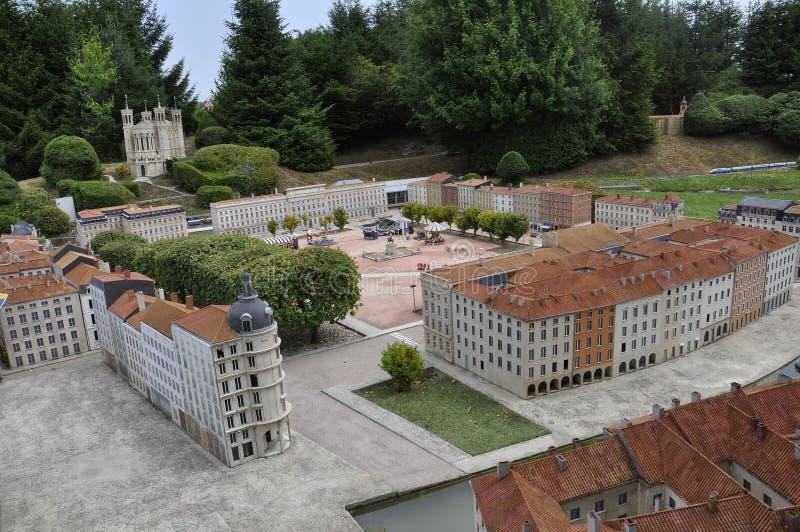 Elancourt F, o 16 de julho: Coloque Bellecour um Lyon o na reprodução diminuta do parque dos monumentos de França imagem de stock