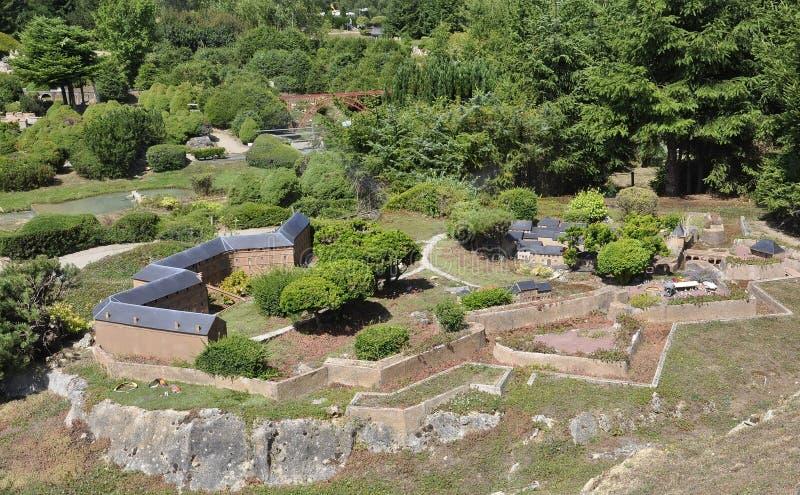 Elancourt F, o 16 de julho: Forteresse de Mont-Dauphin-Guillestre na reprodução diminuta dos monumentos estaciona de França fotografia de stock