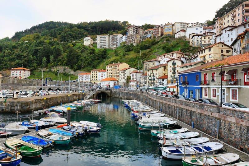elantxobe小渔村巴斯克国家的,西班牙 免版税库存照片