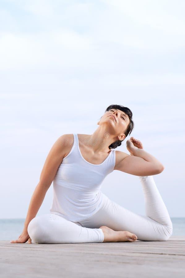 elastyczna zdrowa kobieta obraz royalty free