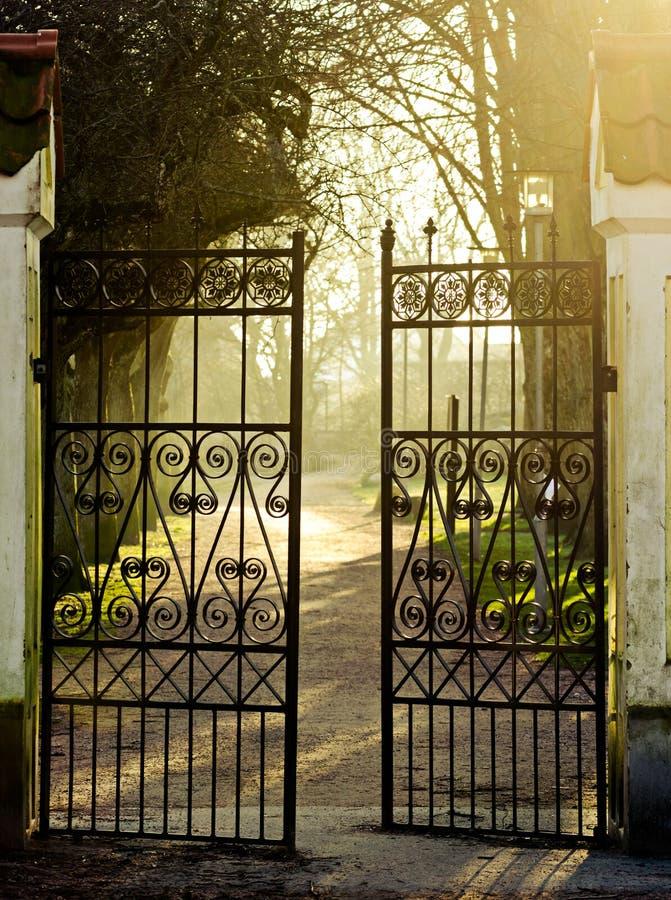 Żelazna brama zdjęcie stock