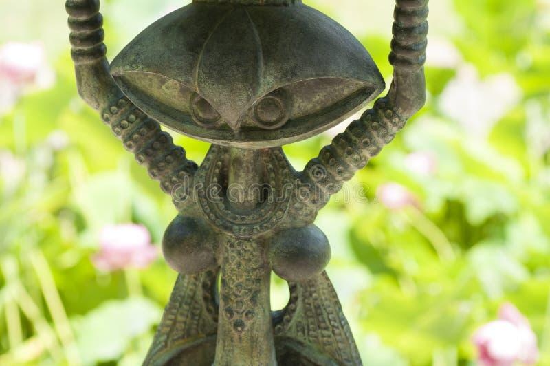 Żelazna statua w ogródzie obrazy stock