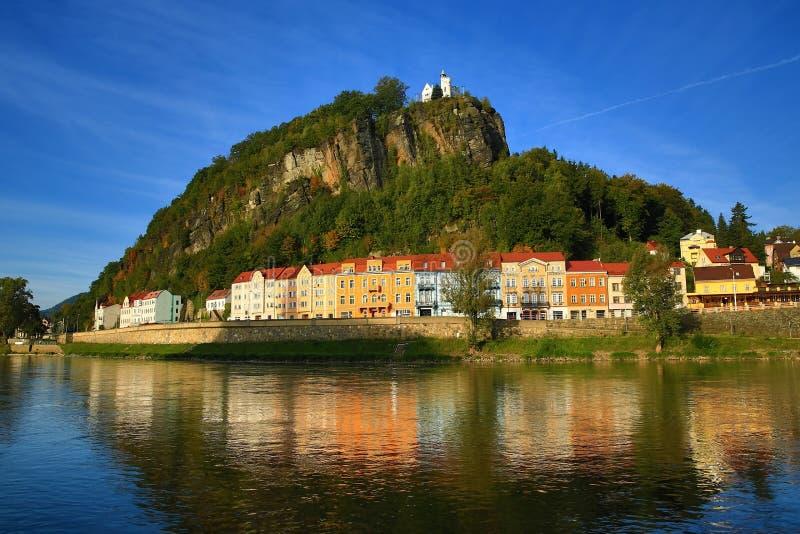 Elbe Rivier, de Muur van Sheperd, Tetschen-Kasteel, Decin, Tetschen, Tsjechische Republiek royalty-vrije stock afbeeldingen
