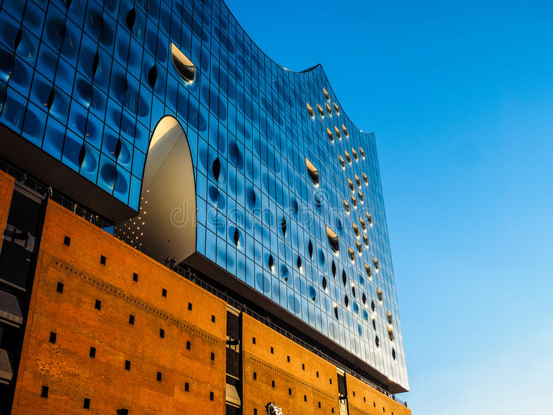 Elbphilharmonie filharmonia w Hamburskim hdr obraz royalty free