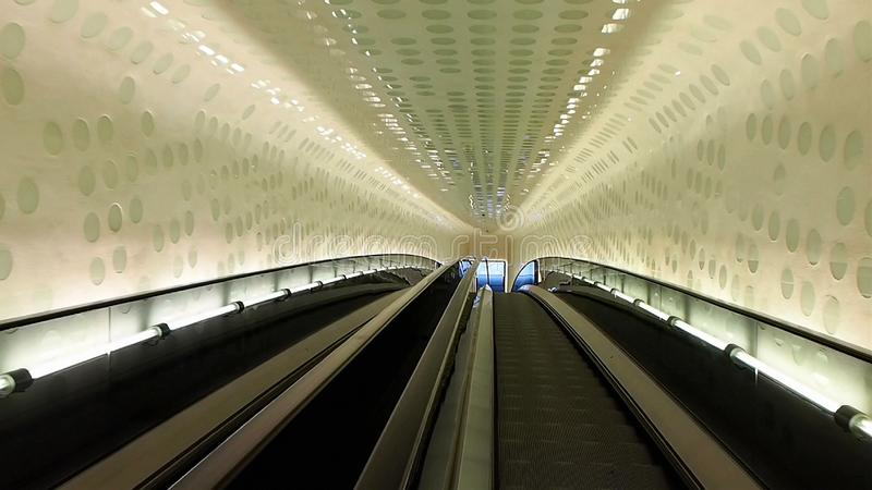 Elbphilharmonie filharmonii eskalator w Hamburg zdjęcia stock
