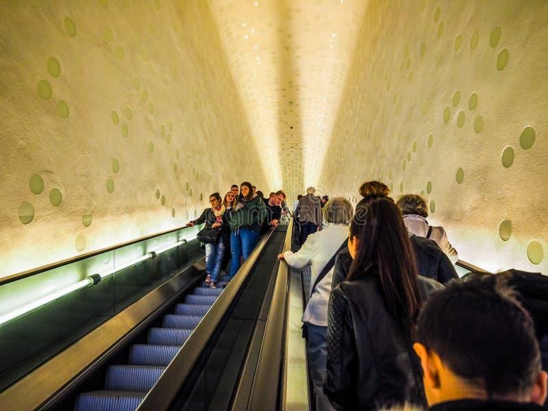 Elbphilharmonie filharmonii eskalator w Hamburskim hdr zdjęcie royalty free