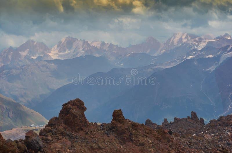 Elbrus северное стоковые изображения rf