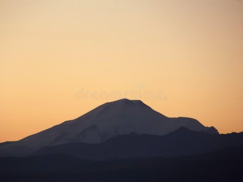 Elbrus linia horyzontu zdjęcia royalty free