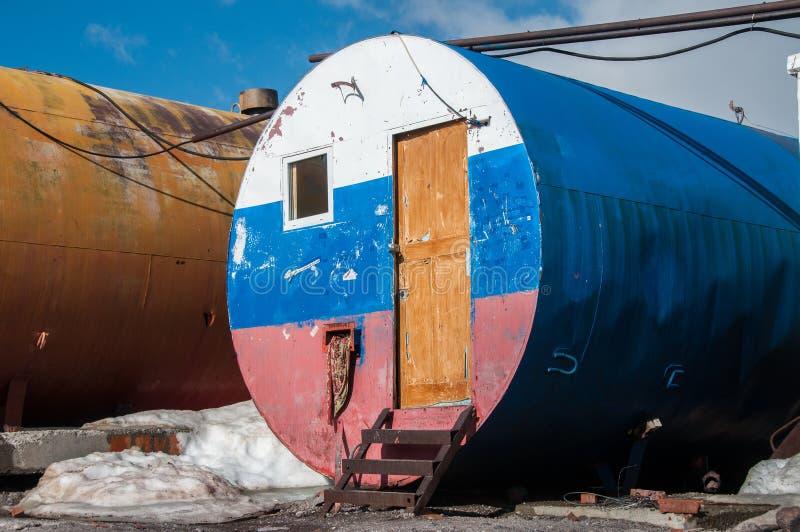 Elbrusen barrels vårt boende arkivfoton