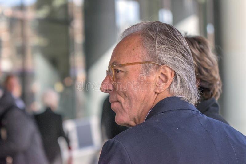 Elco Brinkman an der Erinnerungszeremonie beim Concertgebouw in Amsterdam 27-10-2018 die Niederlande für den Tod von Wim Kok stockbilder