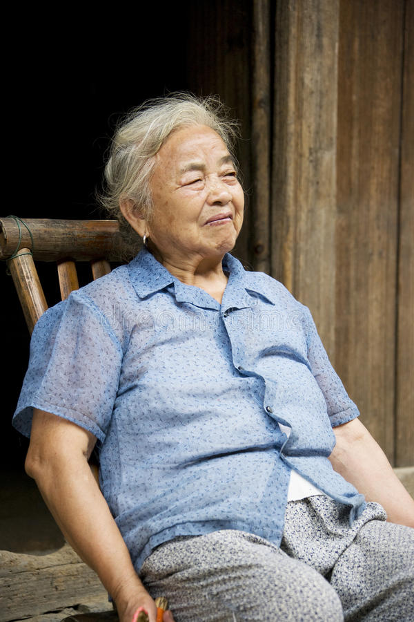Download Elderly Chinese Lady At Daxu Stock Image - Image: 10471355