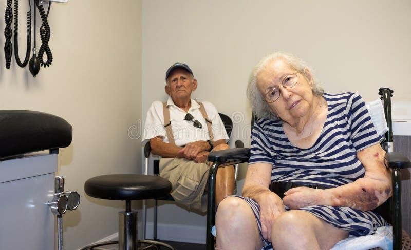 elderly eyes focus woman στοκ εικόνες με δικαίωμα ελεύθερης χρήσης