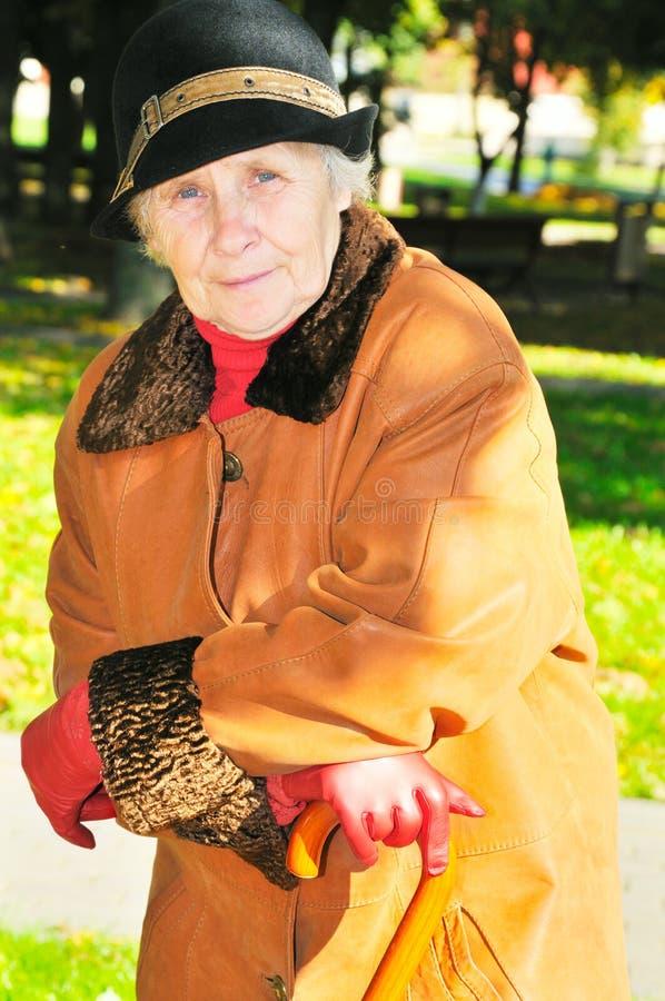 elderly park woman στοκ φωτογραφίες