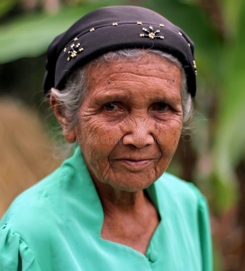 ELDERY妇女画象在印度尼西亚 库存图片
