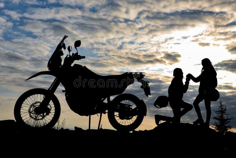 Ele tempo do amor do ` s para o motociclista; memórias emocionais imagem de stock