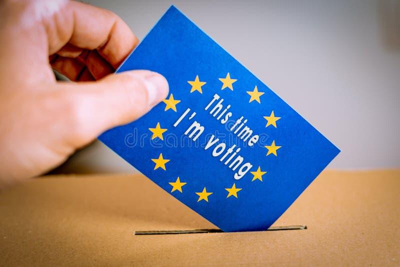 Elección en la unión europea - votando en la urna fotos de archivo libres de regalías
