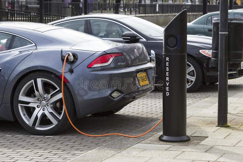 Electric car charge station in Milton Keynes, UK stock photography