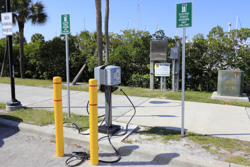 Electric Vehicle Charging Station. SARASOTA, FLORIDA - MAY 9, 2013: Liberty enabled, Clipper Creek electric vehicle charging station with a 3 hour limit off royalty free stock photos