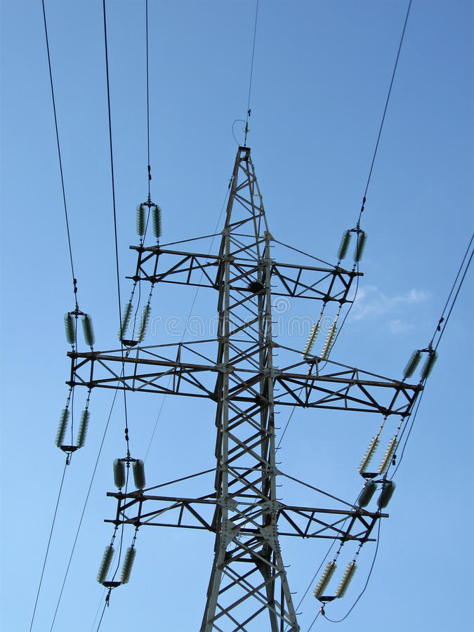 electrical electricity powerlines pylons wires 库存照片