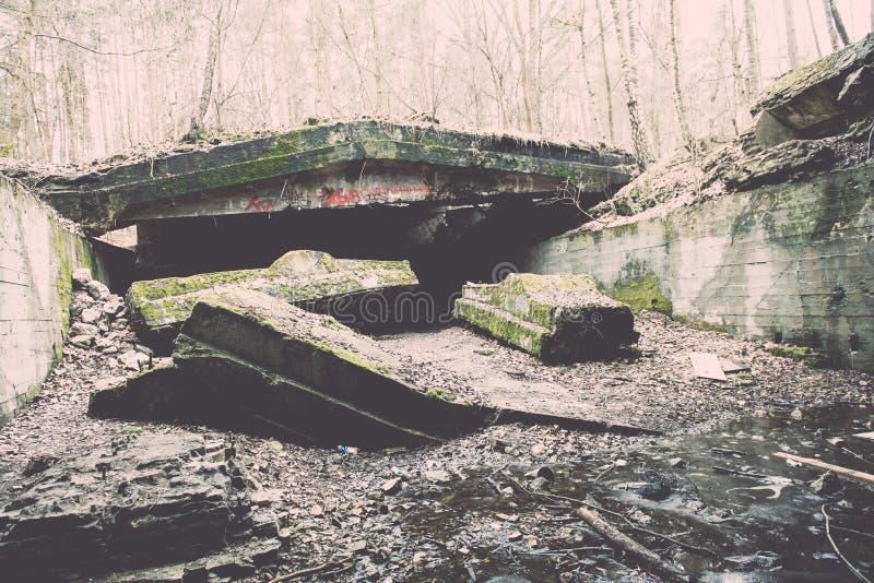 electro edificio abandonado de la estación - efecto del vintage fotografía de archivo libre de regalías