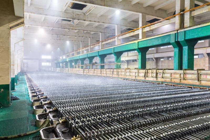 Electrowinning Werkstattnahaufnahme des Zinks stockfotos