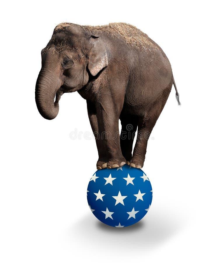 Elefante de equilíbrio fotografia de stock royalty free